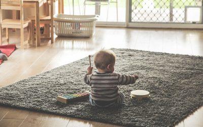 ¿Qué ruido hace los juguetes de un bebé?