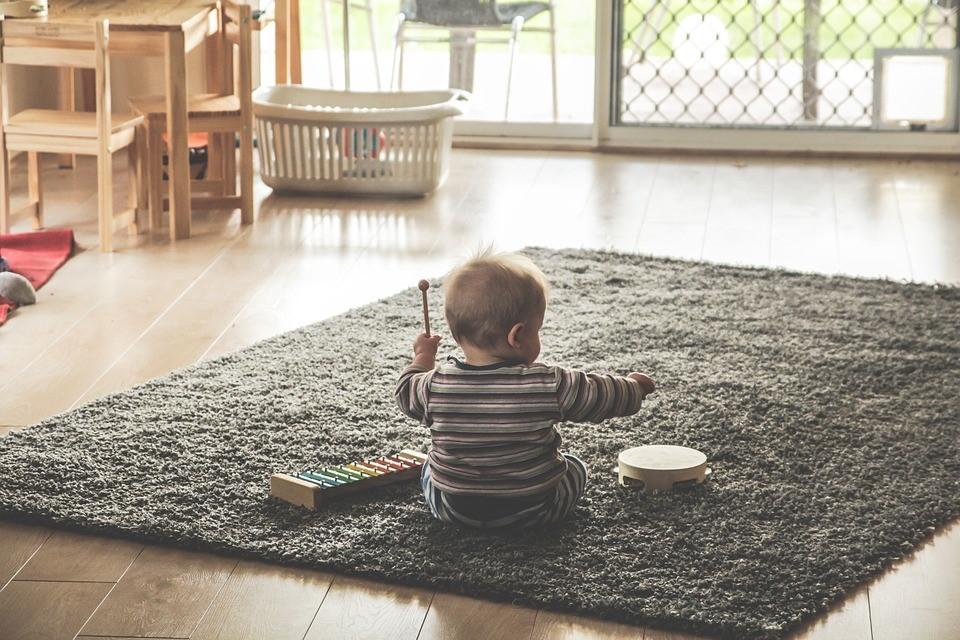 Macustica: Què renou fa les juguetes d'un nadó?