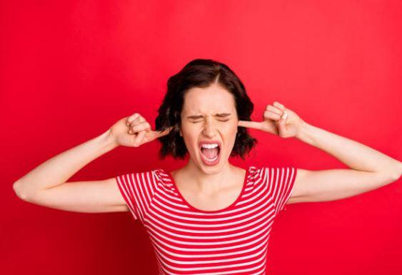 Los 10 sonidos más molestos que no querrás escuchar